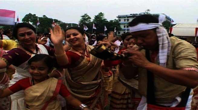 """""""रोंगाली बिहू"""", है असम की परम्परा और संस्कृति की पहचान"""