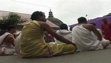 Photo of असम: कामख्या अम्बुवासी मेला शुरू, दुर्गा सतपती पाठ की आवाज़ से गूँज उठा मंदिर