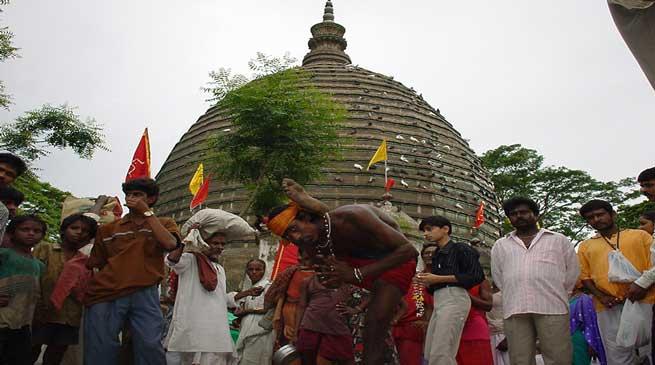 गुवाहाटी- कामाख्या मंदिर में अम्बुवासी मेला
