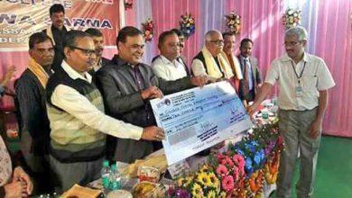 Photo of स्वास्थ्य मंत्री ने CCHRC को दिया 10 करोड़ का अनुदान