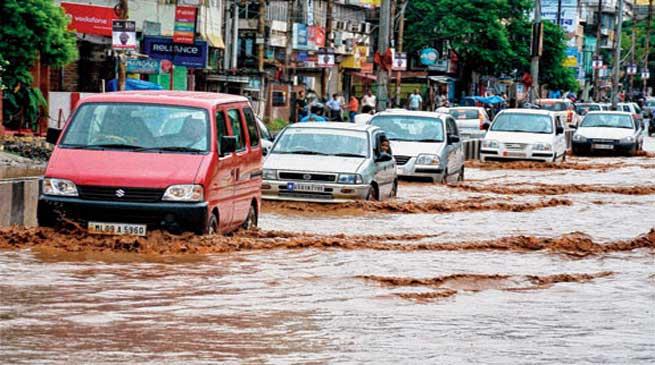 कृत्रिम बाढ़ की समस्या का समाधान आसान नहीं