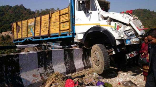 शिलोंग- खासी हिल्स में ट्रक हादसा में 7 की मौत 62 घायल