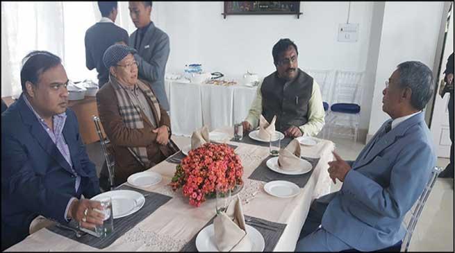 भाजपा नेता मिले नगालैंड सीएम लियेजियेत्सू से