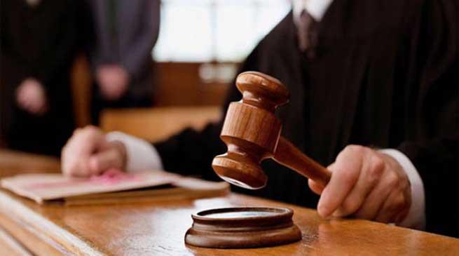 न्यायाधीश पर वकीलों का हमला