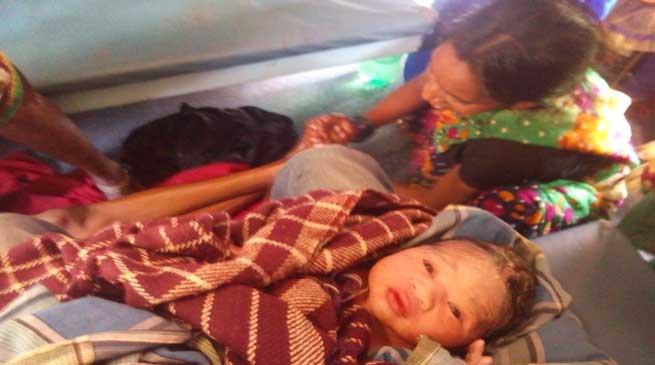 MBBS के छात्र ने व्हाट्सएप की मदद से चलती ट्रेन में गर्भवती महिला के बच्चे का जन्म दिलवाया