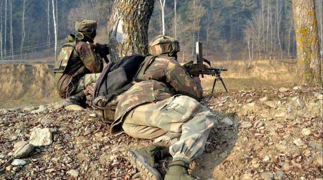 कुपवाड़ा में सेना के कैंप पर आतंकियों का फिदायीन हमला , 2 आतंकी ढेर, 3 जवान शहीद