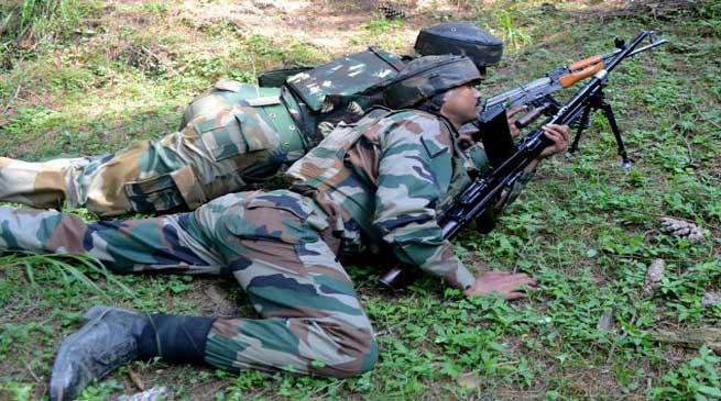 जम्मू-कश्मीर : कुपवाड़ा में घुसपैठ कर रहे चार पाकिस्तानी आतंकी ढेर