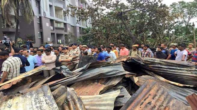 आमबाड़ी आगजनी के पीड़ितों को 10000 का मुआवजा