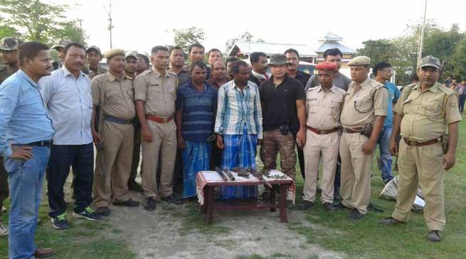दो अवैध शिकारी गिरफ्तार
