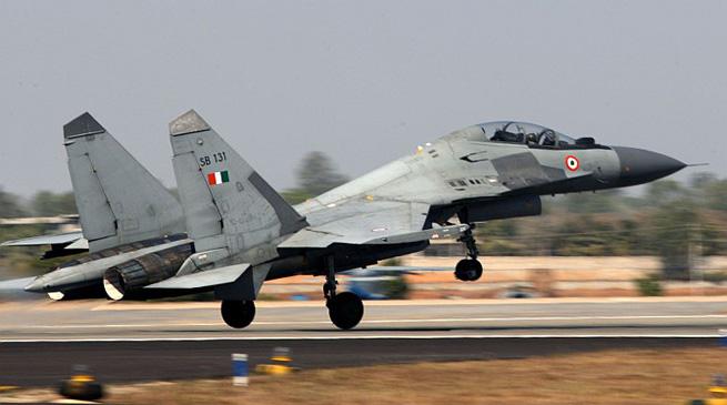 असम - सुखोई-30 फाइटर जेट विमान लापता