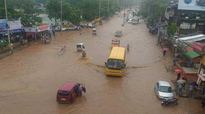 बाढ़ में मरने वालों की संख्या बढ़कर हुई 5