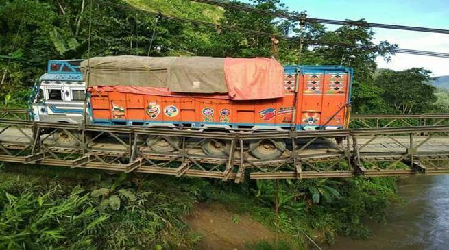 मणिपुर का बराक पुल टूटा