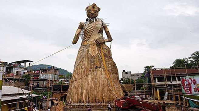 असम- गुवाहाटी में बनी दुनिया की सब से ऊंची दुर्गा की प्रतिमा