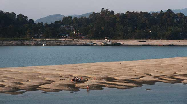 अरुणाचल के सियांग के बाद असम के ब्रहमपुत्र का पानी हुआ काला