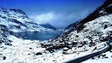 Photo of सिक्किम में बर्फ़बारी जारी, कई पर्यटन स्थलों के रास्ते बंद