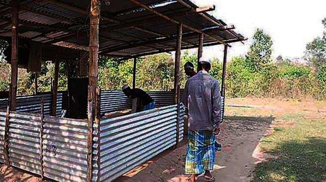 त्रिपुरा: बीजेपी समर्थक मुसलमानों को मस्जिद में नमाज़ पढ़ने पर रोक