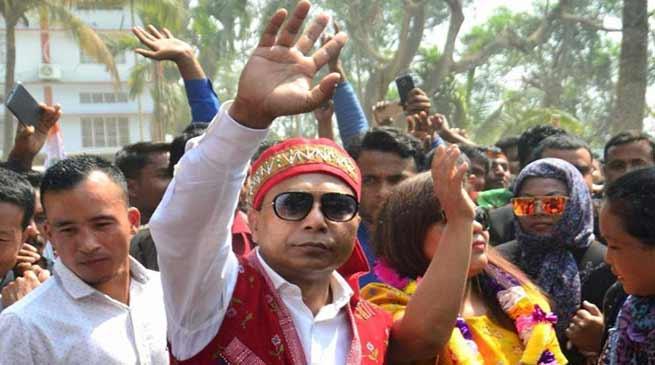 मेघालय : कांग्रेस ने सरकार बनाने का दावा पेश किया, बीजेपी का भी प्रयास जारी