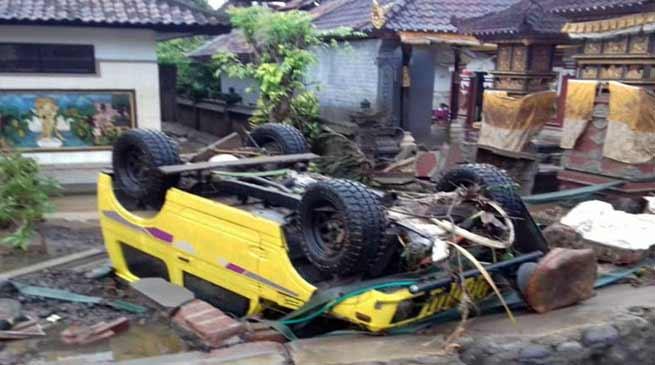इंडोनेशिया में सूनामी का कहर , 62 की मौत, 600 घायल