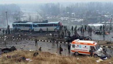 Photo of कश्मीर में आतंकी हमला: 40 CRPF जवान शहीद- LIVE UPDATE