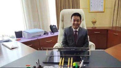 Photo of सिक्किम: मुख्यमंत्री प्रेम सिंह तमांग का ऐलान, सरकारी कर्मचारी अब सप्ताह में 5 दिन ही करंगे काम