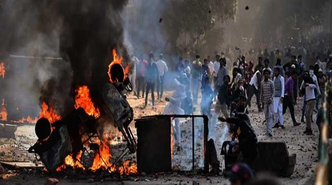 नागरिकता कानून (CAA) को ले कर पूर्वी दिल्ली मे हिंसा, एक पुलिस कर्मी और नागरिक की मौत